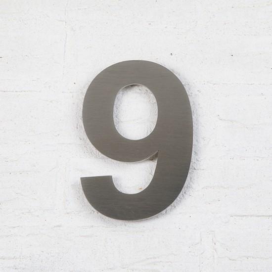 Huisnummer 9 RVS Geborsteld...